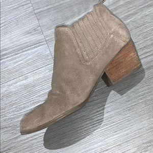 Crown Vintage Shoes - Light tan suede booties